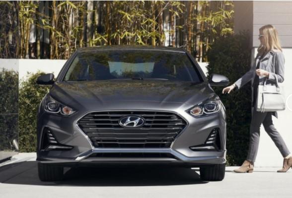 Hyundai опубликовала цены на рестайлинговый седан Sonata 1
