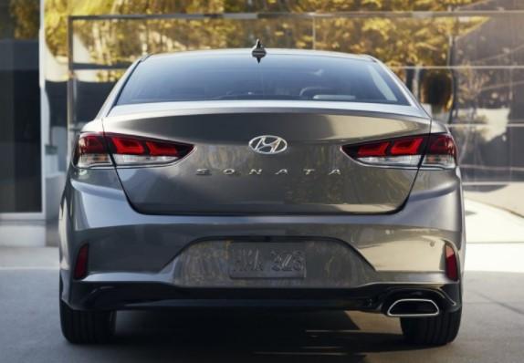 Hyundai опубликовала цены на рестайлинговый седан Sonata 2