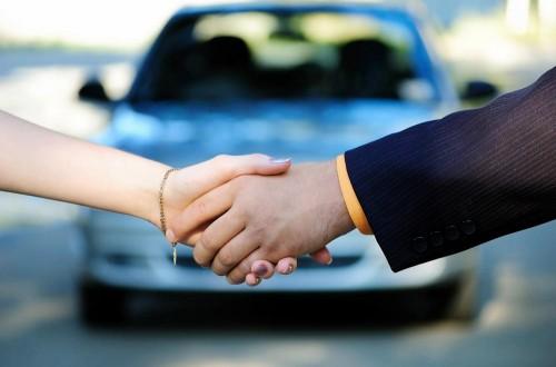 Украинцы стали покупать машины в 6 раз больше 1