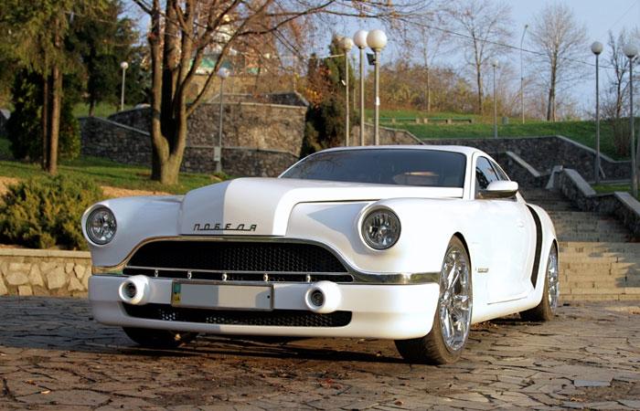 Украинец собрал в гараже собственную версию знаменитой машины 1