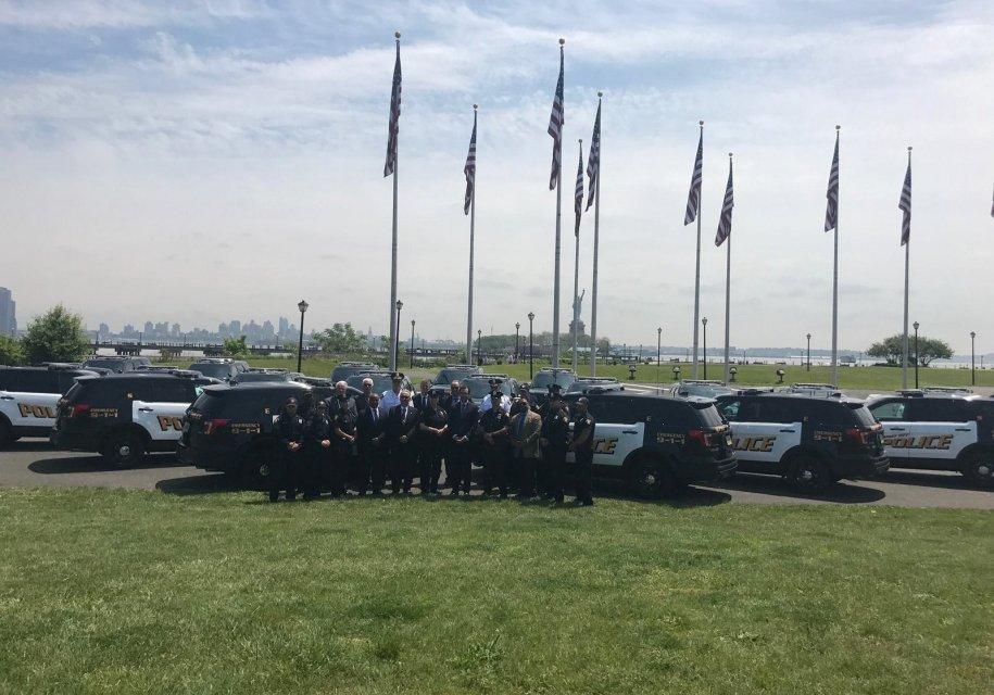 В США у полицейских в качестве наказания отобрали служебные автомобили 1