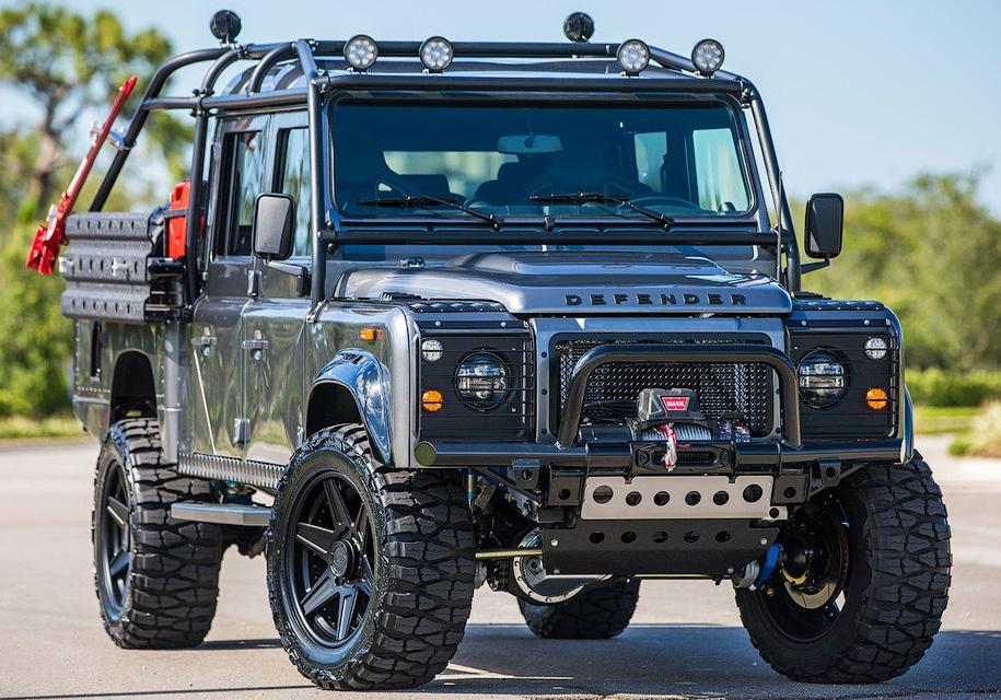 Американцы построили эксклюзивный Land Rover Defender с V8 1