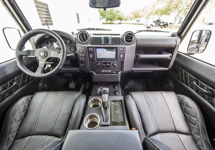 Американцы построили эксклюзивный Land Rover Defender с V8 3