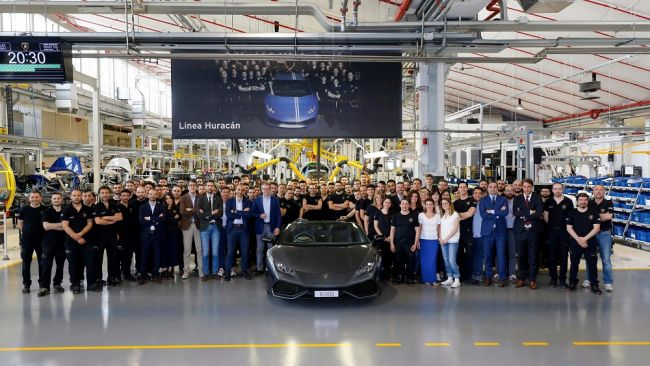 Впечатляющая цифра: Lamborghini собрала 8000 спорткаров Huracan 1