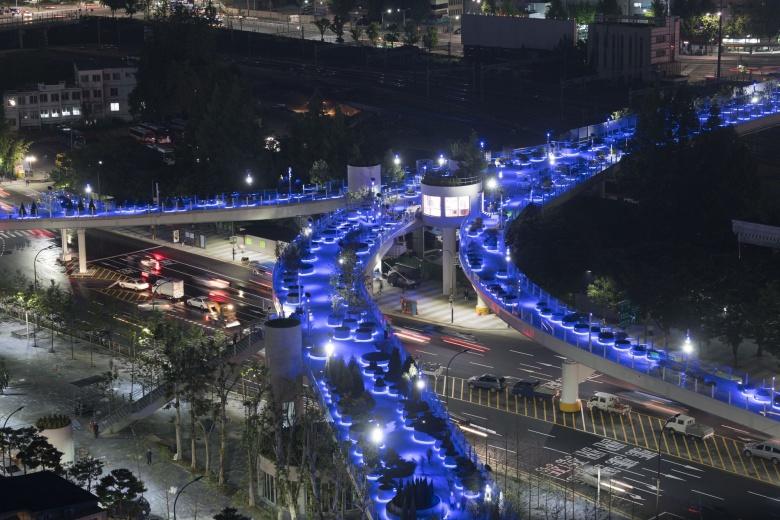 Корейцы из дорожной развязки сделали «рай» 2