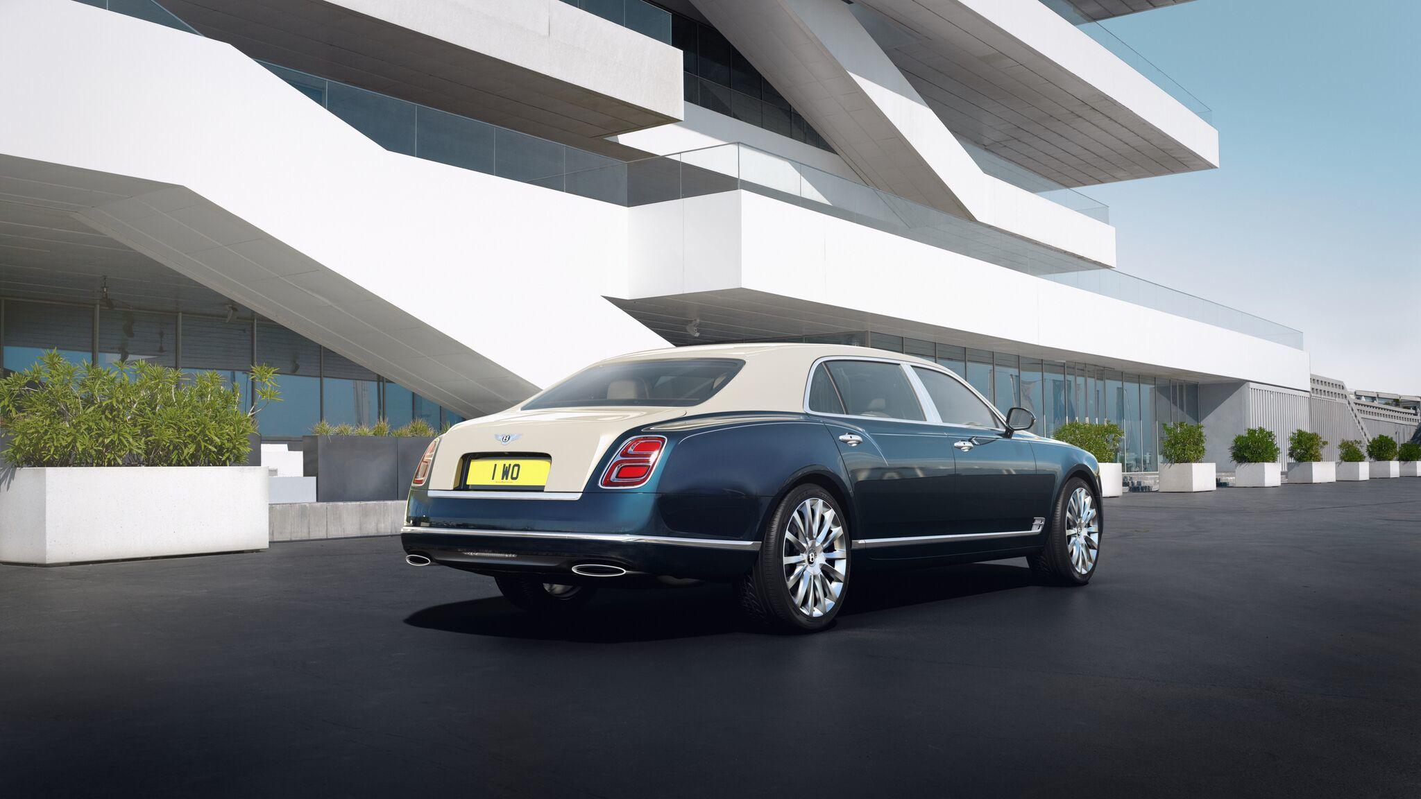 Bentley сделает 50 золотых и серебряных седанов Mulsanne 2