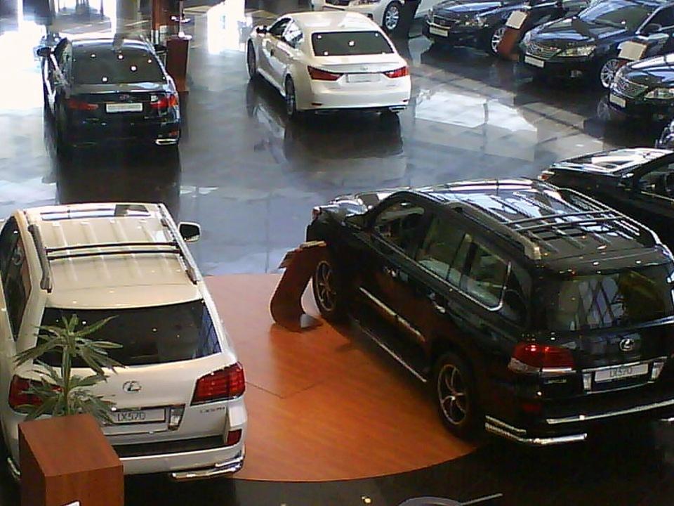 Почему украинские водители «бросились скупать» Lexus 1