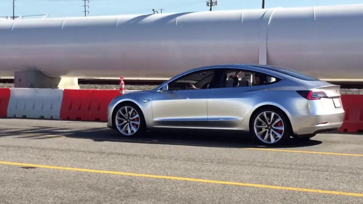 «Испытания дорогой»: тест-драйв Tesla Model 3 2