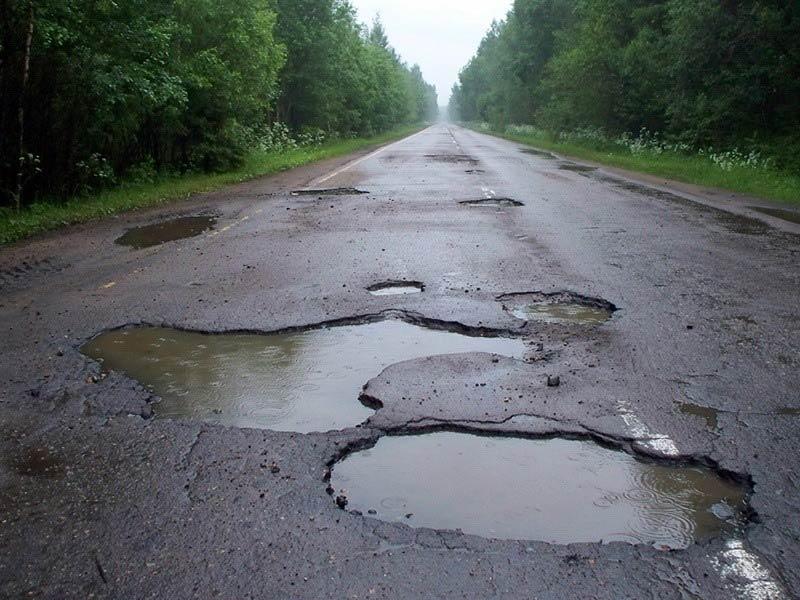 «Неожиданно»: руководитель «Укравтодора» пожаловался на ямы на дорогах 1