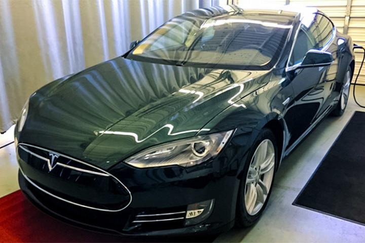Почему автомобиль Tesla стал «страшным кошмаром» для водителя 2