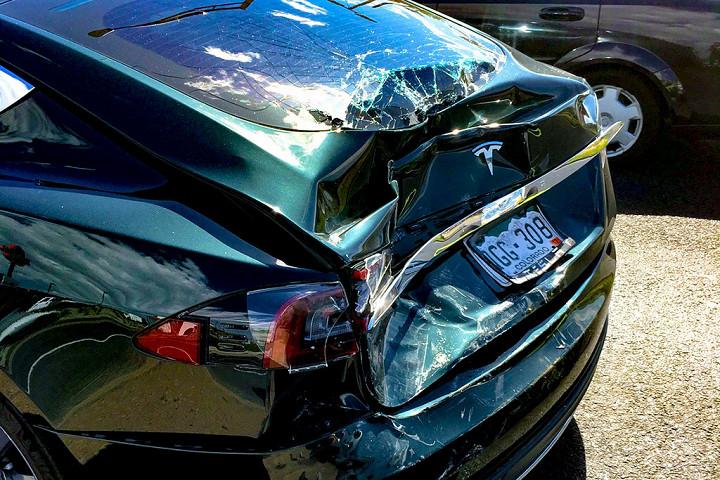 Почему автомобиль Tesla стал «страшным кошмаром» для водителя 3