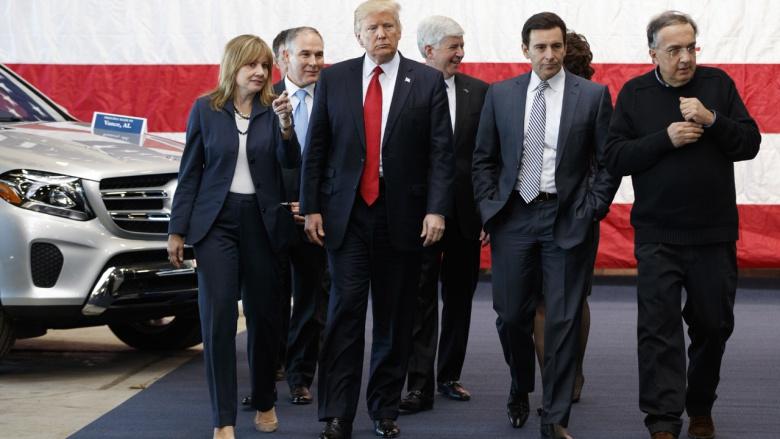 Президент «исполнит обещание о снижении стандартов вредных выбросов машин» 1