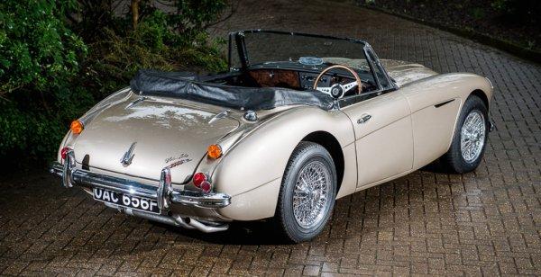 На аукцион выставили «самый желанный автомобиль» 2