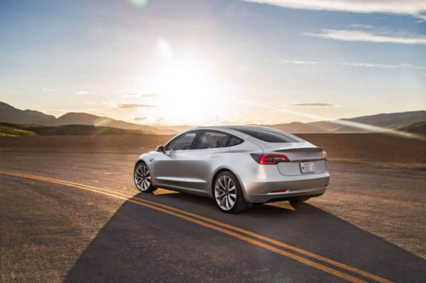 По мнению экспертов, владельцев Tesla «не заботят вопросы качества» 1