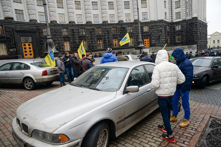 Комитет ВР «похоронил» закон о легализации авто «на польских бляхах» 1