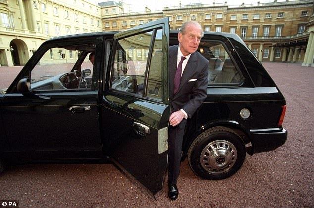 Супруг Королевы Великобритании рассекретил свою тайную машину 1
