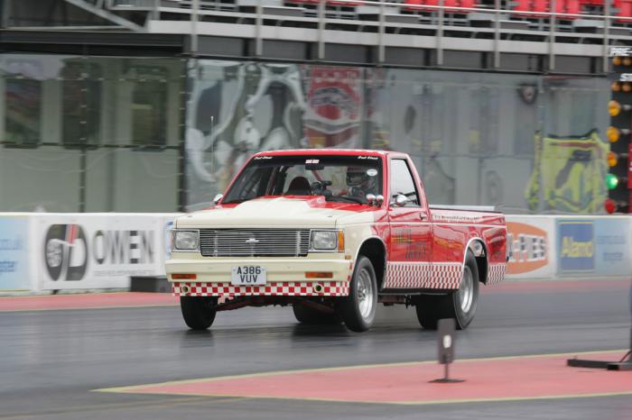 Старый пикап получился быстрее Ferrari 2