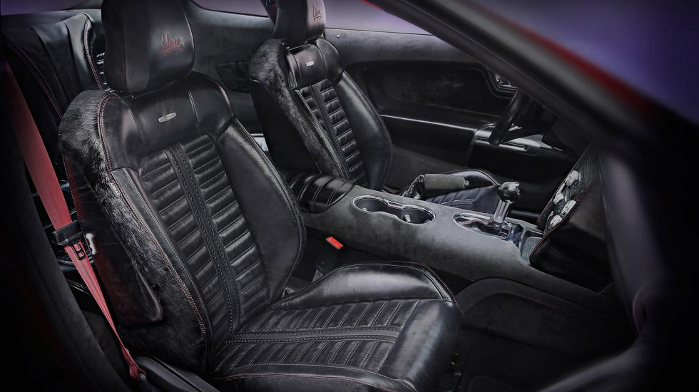 Салон Ford Mustang обшивают кожей вымирающих мустангов 2