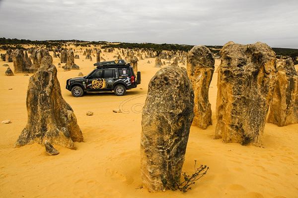 Объехавший вокруг света Land Rover выставили на продажу 2