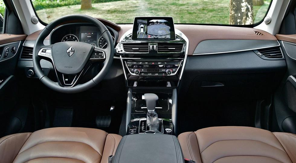 На рынок выходит вторая модель возрожденной марки Borgward 3