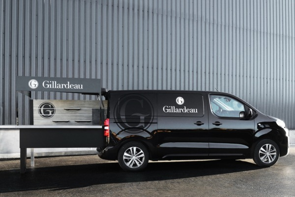 Peugeot построила мобильный устричный бар 2