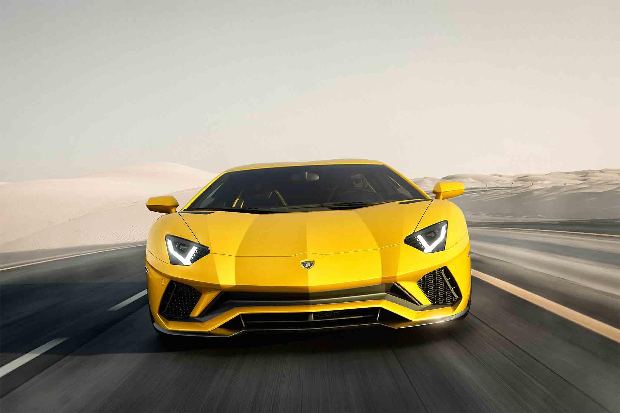 Суперкары Lamborghini разошлись «как горячие пирожки» 2