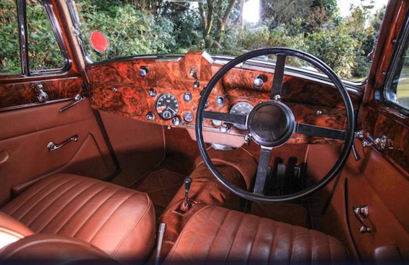Бывшие владельцы купили на аукционе собственный Jaguar Mark IV 3