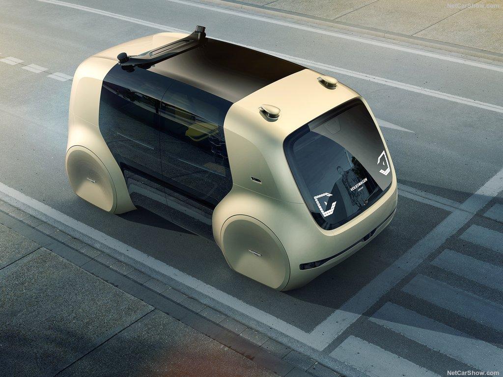Volkswagen Sedric: без руля и педалей 1