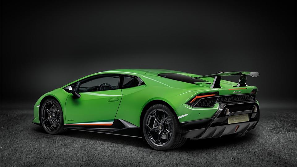 В Женеве представлен самый быстрый Lamborghini 3