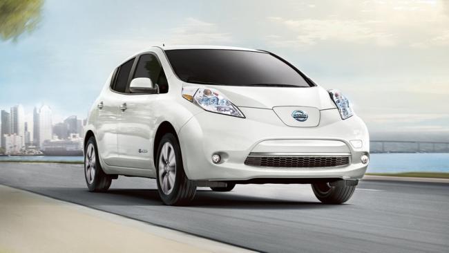 Папа Римский променял Tesla на Nissan Leaf 1