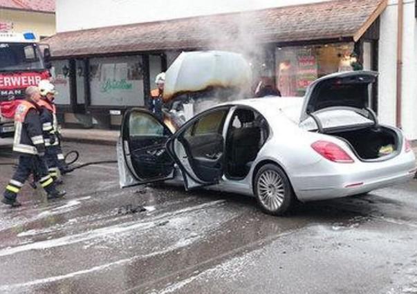 Mercedes-Benz отзывает около миллиона автомобилей после множества возгораний 3