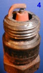 Как определить состояние двигателя по свече зажигания 4