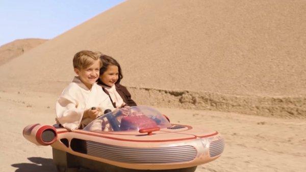 В США автолюбителей покорил  Landspeeder из «Звездных войн» 2