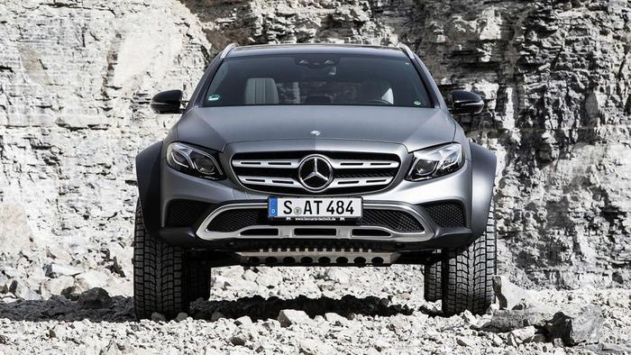 Марка Mercedes показала «брутальный внедорожный универсал» 1