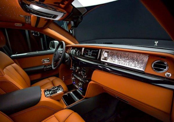 Марка Rolls-Royce презентовала новый роскошный Phantom 2