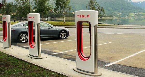 Компании Jaguar и Tesla готовы объединиться «ради дела» 1