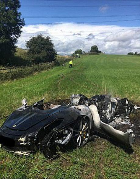 Ferrari «превратился в пепел» через час после того, как выехал из салона 2