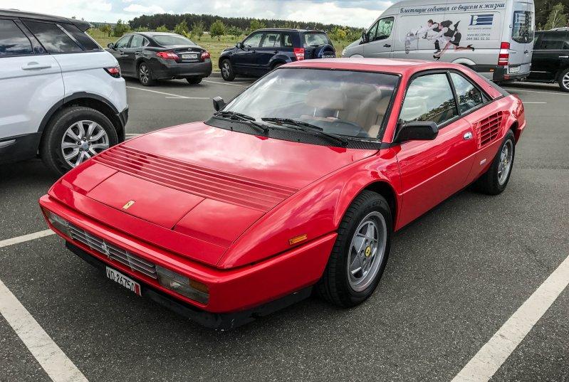 В Украине замечена Ferrari Mondial - самая бюджетная модель марки 1