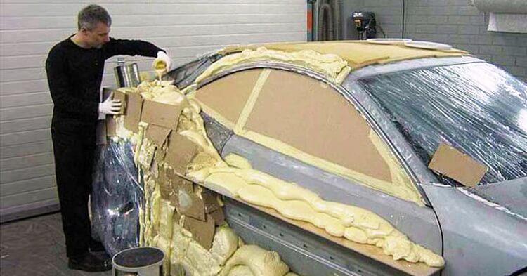 Автолюбитель восстановил машину после ДТП «пеной и трафаретом» 2