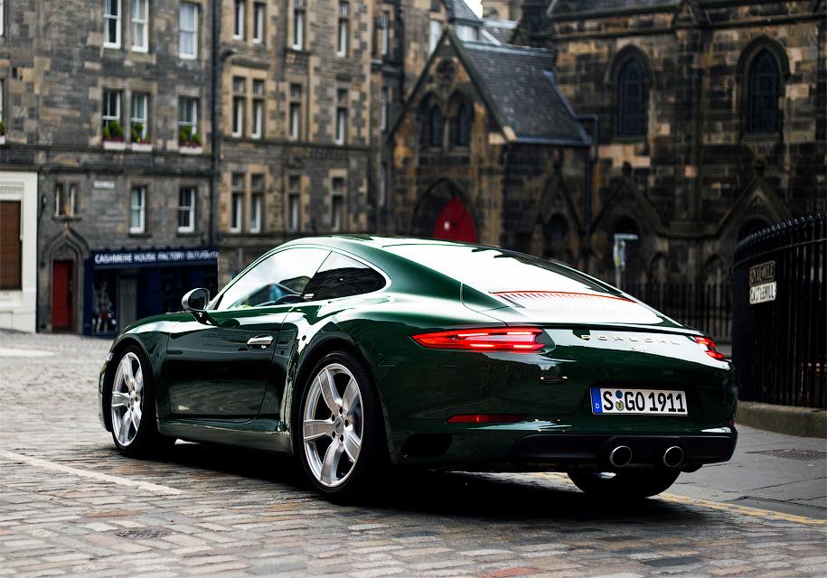 В Porsche разрешили прокатиться за рулем машины, которую никогда не продадут 1