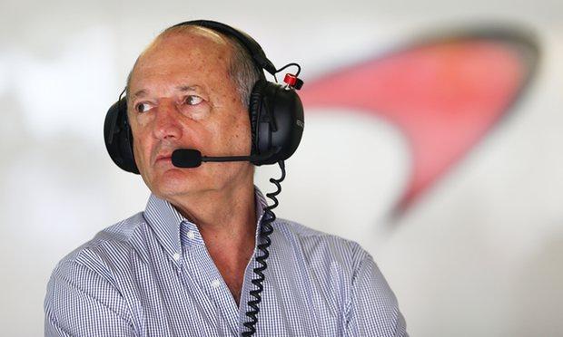 Экс-главе компании McLaren хотят подарить 13 суперкаров 1