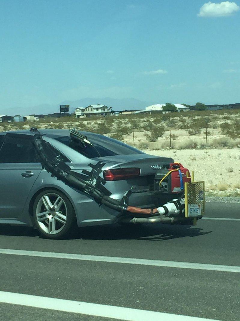На трассе заметили Audi «со странной установкой» 1