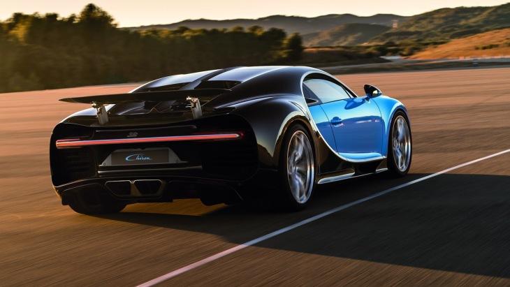 Bugatti Chiron «кушает по городу» 26 литров топлива 1