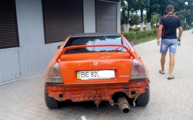 Нарушитель ПДД потребовал деньги за фото с его машиной 3