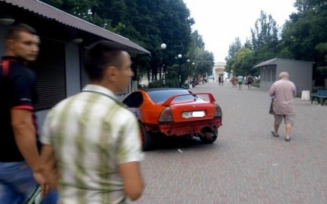 Нарушитель ПДД потребовал деньги за фото с его машиной 1