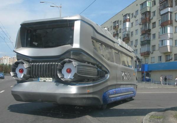 В Украине появился автобус в стиле «Дарта Вейдера» 2