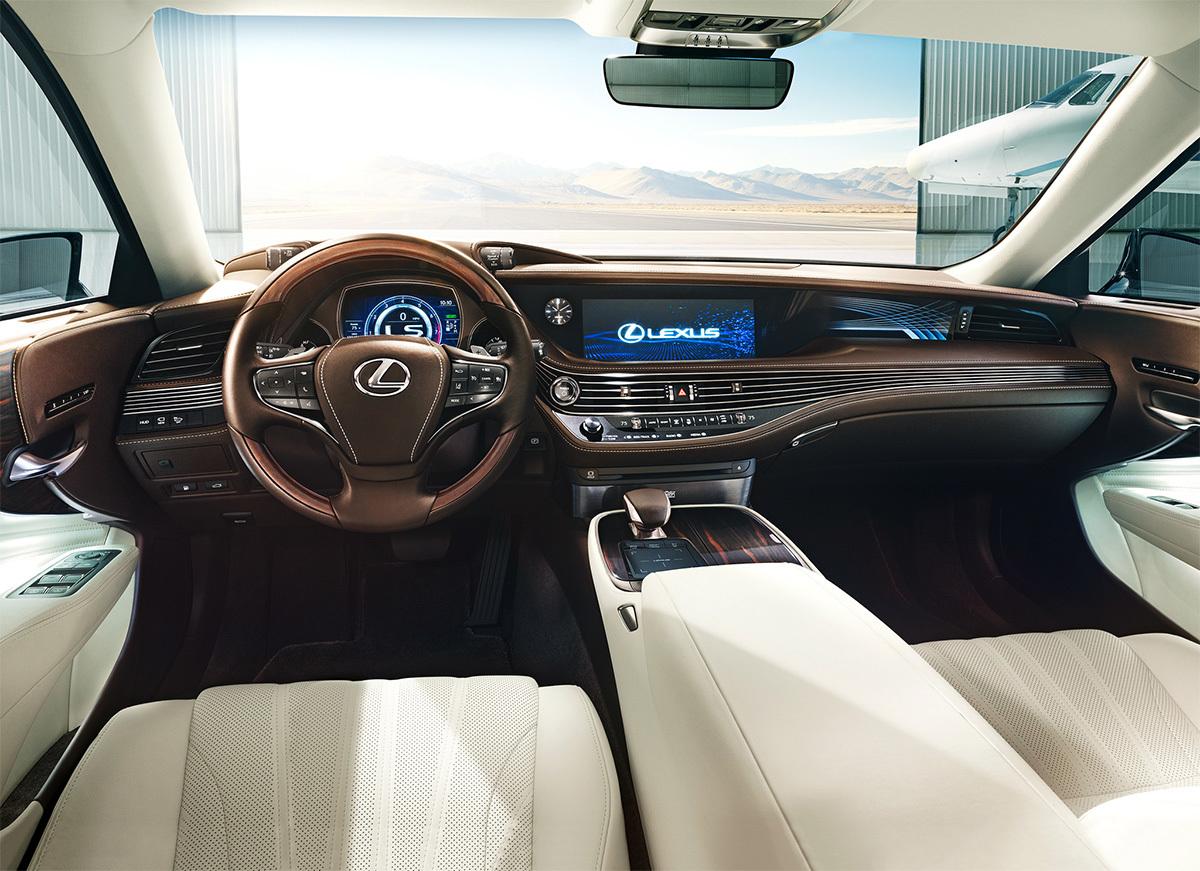 Самый дорогой седан Lexus пережил смену поколений 2