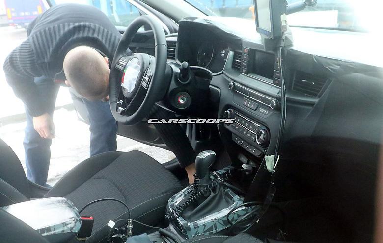 «Фотошпионы поймали» новый Kia Ceed 2