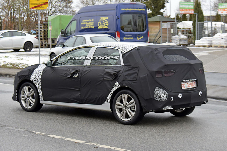 «Фотошпионы поймали» новый Kia Ceed 3