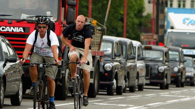 Велосипедистов обвинили в дорожных заторах и загрязнении воздуха 1